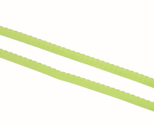Ziergummi mit bestickter Bogenkante hellgrün