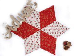 handgefertigtes Weihnachtsdeckchen mit Hühnern SanDaLu