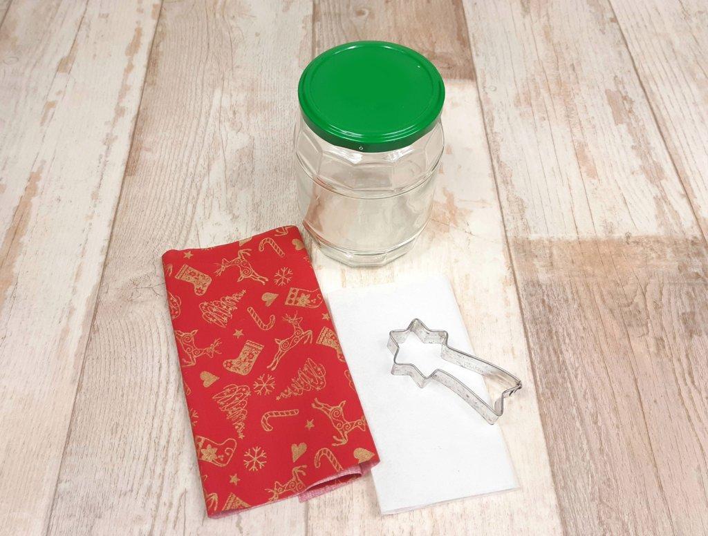 Material für das weihnachtliche Windlicht oder Plätzchenglas