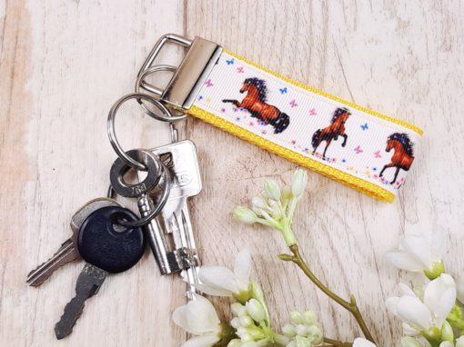 SanDaLu Schlüsselanhänger Pferd gelb